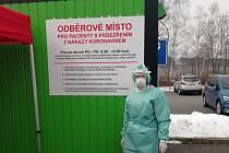 Nemocnice v Prachaticích zřídila odběrné místo. Vzorky odtud putují ke zpracování do nemocnice ve Strakonicích.