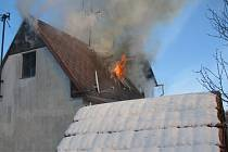 Požár rekreačního objektu v Ovesné na Prachaticku.