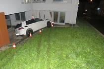 Následky dopravní nehody na prachatickém soudu.