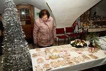 Prodejní výstava prachatických seniorů v muzeu české loutky.