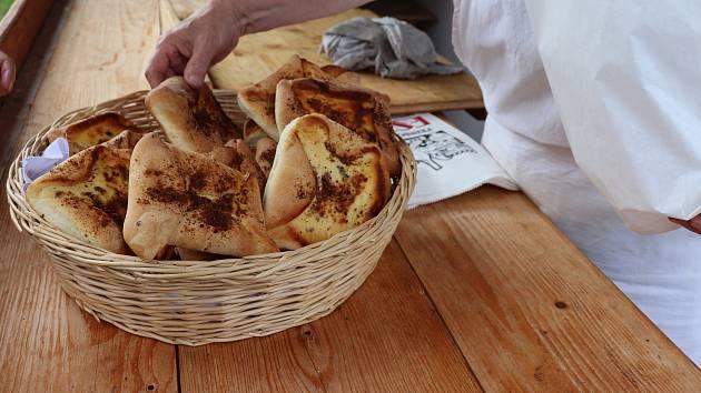 Pečení chleba a lenorských dobrot ve Volarském muzeu.