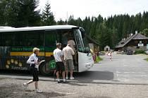 Správa Národního parku a chráněné krajinné oblasti Šumava, jako organizátor projektu Zelené autobusy, vychází návštěvníkům Šumavy vstříc. Ilustrační foto.