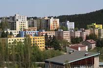 Cesta autobusem ze sídliště Míru ve Vimperku do města vyjde seniorům a studentům od října levněji.