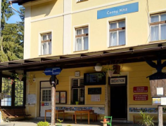 Zastávka v Černém Kříži na Prachaticku bojuje o titul Nejkrásnější nádraží.
