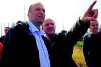 Ministr Tomáš Podivínský s ředitelem parku Jiřím Mánkem.