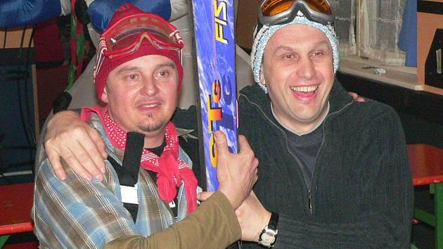 Bikers bar byl místem Snowparty - Karaoke rotro lyžařů.