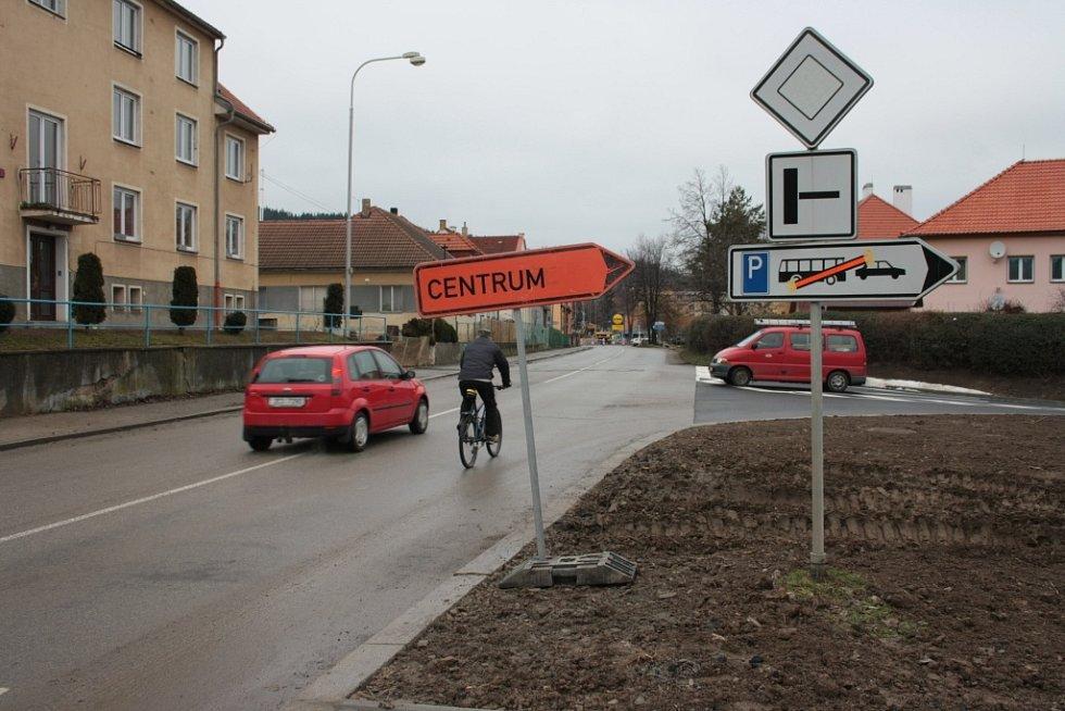 Objízdná trasa při uzavírce části Krumlovské ulice je dostatečně značená ze všech směrů.