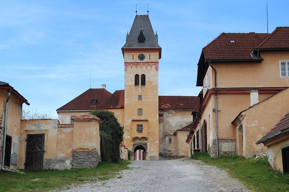 V nových prohlídkových trasách Vimperského zámku přivítá kastelán Vojtěch Brož příští týden první návštěvníky.