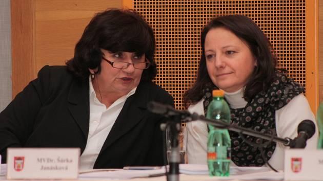 Zřejmě nejzapřísáhlejší odpůrkyní hazardu ve Vimperku je zastupitelka Věra Vávrová (vlevo).