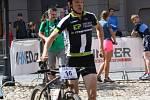 K běžecké části závodu to má už jen krůček i prachatický triatlonista Matěj Nepustil.