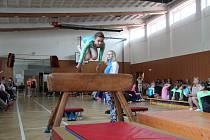 Soutěž mladých gymnastek ve Strunkovicích nad Blanicí.