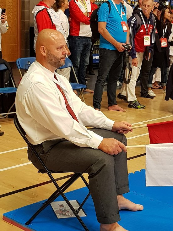 Míra Hovorka vybojoval páté místo na Mistrovství svět v Limericku, kde jako rozhodčí působil i David Havlík (na snímku)