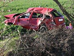 Ranní nehoda skončila smrtí řidiče Škoda Fabia.