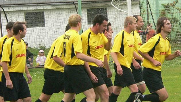 Čkyňská radost po vstřeleném gólu.