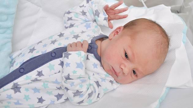 Rostislav Špika ze Zdíkova. Narodil v pátek 13. března v 6 hodin 12 minut ve strakonické porodnici Vážil 3100 gramů. Rodiče: Jana a Jan.