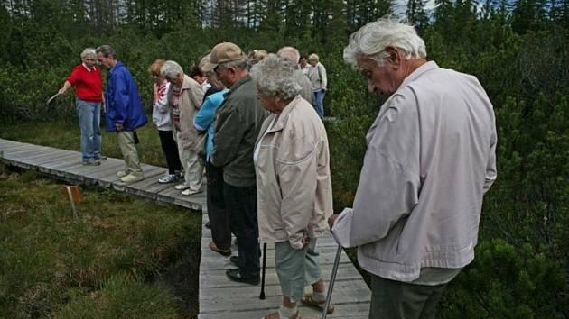 V rámci programu Dostupná Šumava vyváží NP Šumava lidi se sníženou mobilitou a seniory do přírody.