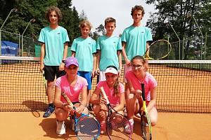 Mladí prachatičtí tenisté si vedou v soutěži velice dobře.