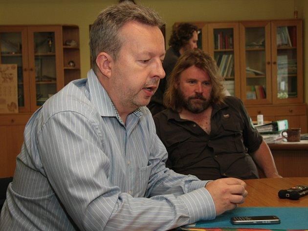 Ministr životního prostředí Richard Brabec jmenoval k prvnímu červenci dosud pověřeného ředitele Správy NP Šumava Pavla Hubeného do funkce.