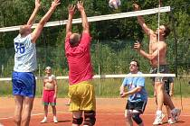 Husinec žil volejbalovými turnaji mužů i žen.
