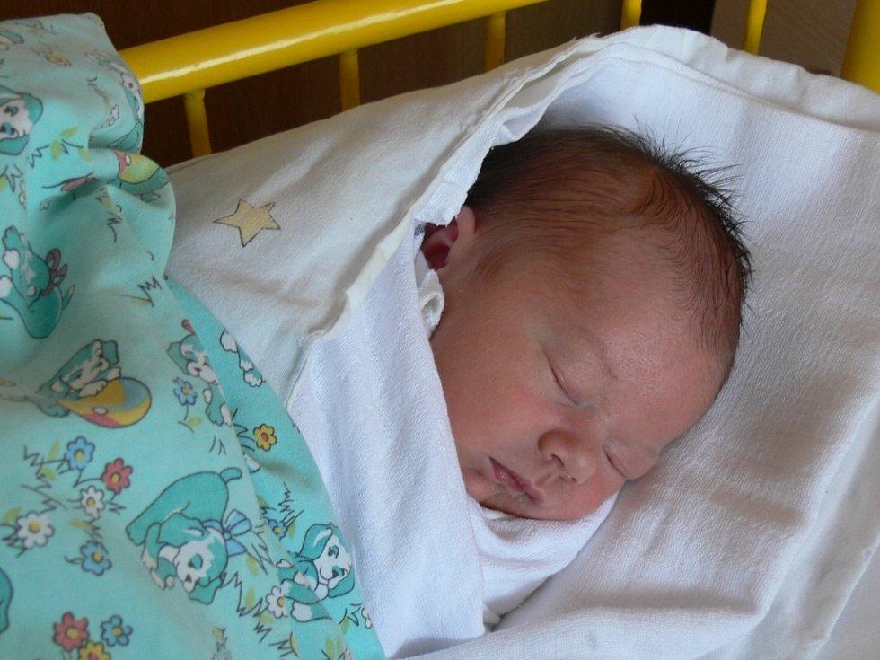 František Kováč se narodil v Prachaticích 22. listopadu v 15.05 hodin. Vážil 3000 g  a měřil 49 cm. Rodiče Michala a František a sestřička Natálka (3 roky) jsou ze Strážnýho.