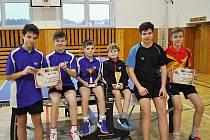 Zleva hráči Libína Prachatice Lukáš Heinzl, Tomáš Kulhánek, Petr Hodina a Sokola Lhenice Milan Halabrín, František Traxler a Adam Sivera.