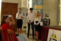 Studenti prachatického gymnázia představili svoji firmu v Moravské Třebové.