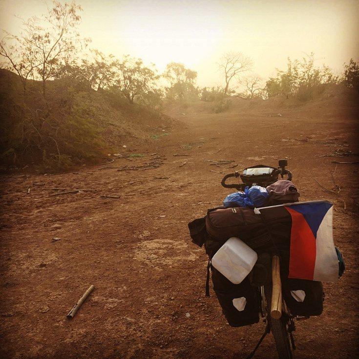 Začátek února tráví Tadeáš Šíma na kole v Mali.