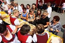 Dožínkové pečení uspořádali ve Vitějovicích.