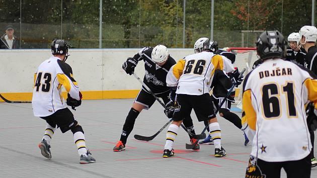 Prachatičtí hokejbalisté narazí v osmifinále play off na pardubické Svítkov Stars.