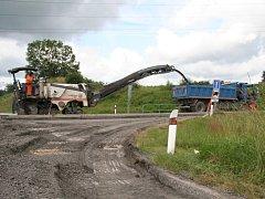 Rekonstrukce a přestavba křižovatky u Těšovic začala.