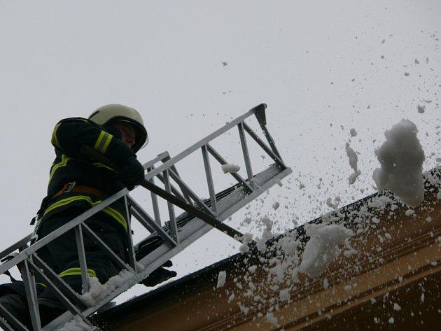 Údržba střech.