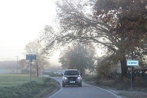 Řidiči dál jezdí po objížďce z Němčic na Čejkovice