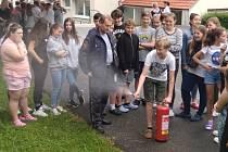 Školáci ze Zlaté stezky museli opustit školu, zkoušeli se evakuovat.