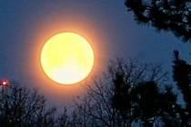 Přednáska Oheň na měsíci. Ilustrační foto