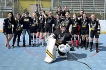 Prachatické hokejbalistky hrají o špic ženské ligy.