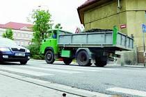 BEZPEČNÝ PŘECHOD. V pondělí ráno 1. září budou na tomto přechodu u základní školy ve Vodňanské ulici hlídkovat strážníci městské policie a dopravní policie. Příchod do školy tak bude bezpečný.