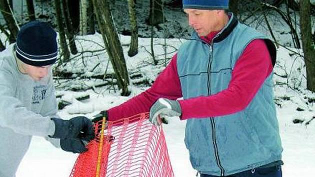 NOVÝ SPRÁVCE. Soutěž o provozování Vodníku vyhráli  vimperští lyžaři a radnice jim nyní pomohla i se získáním inventáře chatek. K bílé stopě během dvou let přibude i dráha pro bruslaře a celý areál dostane nový rozměr.
