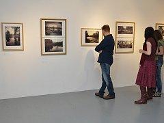 Fotograf Martin Milfort poprvé prezentuje rozsáhlý cyklus fotografií krajiny vytvořených historickou technikou mokré kolodiové desky.