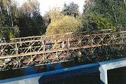 Provizorně může most, který přetíná řeku Blanici u Spálence, sloužit. Obec má čas na projektování nového a shánění peněz.