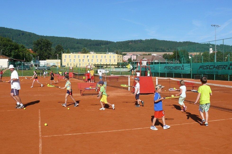 Seznamování tenistů
