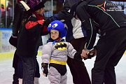 Na led ve Vimperky vyrazily děti v maskách.