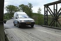 Už pět let řidiči čekají na nový most.