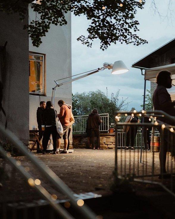Od 1. srpna je po 4 letech znovu nájemcem Kralovy vily v Prachaticích spolek Živá vila. Jako slavnostní otevření si přichystal festival Vivat Vila!, který se uskutečnil o víkendu 28. - 29. srpna.