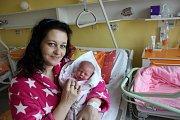 Ema Sušilová z  Vimperka se narodila 6. října ve  22.14 hodin Šárce Sušilové a Martinu Zemanovi. Vážila 2750 gramů a měřila 49 cm. Má starší sourozence Anetu, Kláru, Izabelu, Honzu a Martina.