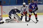 Hokejový turnaj cyklistických hvězd a legend.