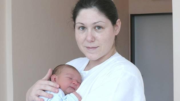 Valérie Vazačová se narodila v prachatické porodnici v úterý 12. února v 16.35 hodin. Holčička vážila 3890 gramů a měřila 48 centimetrů. Rodiče Vendula a Františe si dceru odvezou domů do Českých Budějovic.