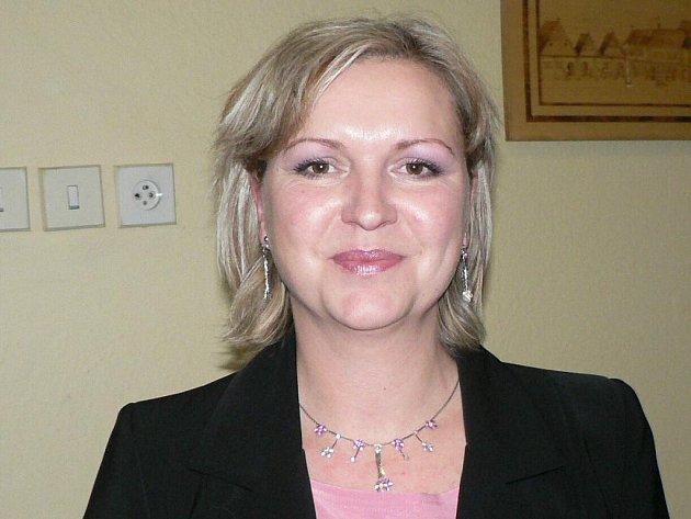 Iveta Uhlíková - radní za ODS. 39let. Utéto strany působí také jako manažerka. Má jednoho syna a ve svém volném čase se nejraději věnuje divadlu, a to ijako členka netolických ochotníků. Vzastupitelstvu je poprvé.