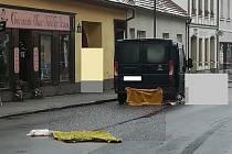 Tragická dopravní nehoda v Netolicích. Seniorka svým zraněním podlehla.