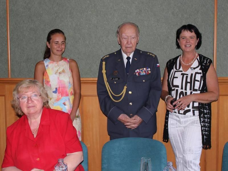 Pilot RAF Alois Dubec navštívil Šumavu.