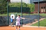 Tenisté v Prachaticích hráli J&B cup ve čtyřhře.